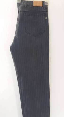 PANTALON DIONNE CO. JEANS UNISEX GRIS A RAYAS  CINTURA LADO A LADO 44 cm TALLE 34 MUY GRANDE