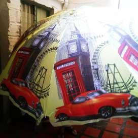 Bello parasol o sombrilla gigante vintage