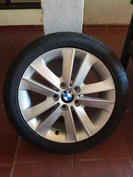Cubierta con llanta BMW nueva!