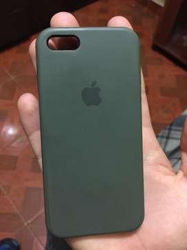Case original de iphone SE incluyendo 2 más