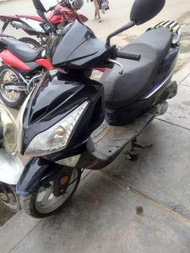 Venta Moto Scooter Negra