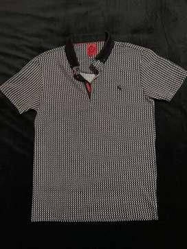 Camiseta Swade tipo Polo