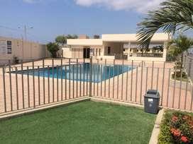 Venta casa en Manta de oportunidad en urb privada vía circunvalación