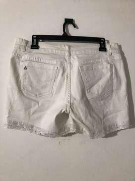 Shorts y faldas casi nuevas