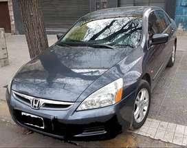 ACCORD 2007 impecable Servicies realizados en el concesionario oficial Honda en Mendoza.