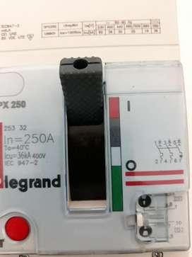Interruptor Legrand Caja Moldeada