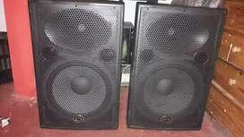 vendo parlantes pasivos wharfedale Pro delta 15 BK.de 500 watts rms línea pesada.semi nuevos