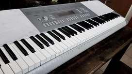 Piano electronic Casio WK 225 profesional 76 teclas - 6 octavas