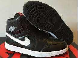 Nike Jordan Retro 1 Negro Con Blanco