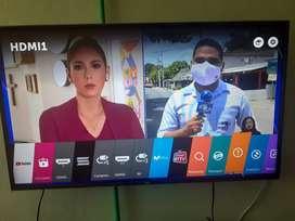 Vendo tv lg smartv de 50 pulgadas en perfectas condiciones y con su caja manual y control