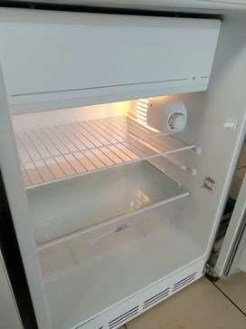 Heladera Patrick frigobar con freezer