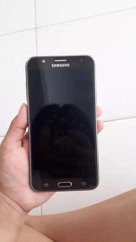 Se vende Samsung j7