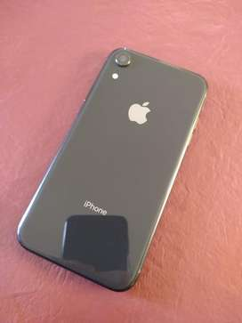 Iphone xr 64 gb+ 2 fundas. Impecable