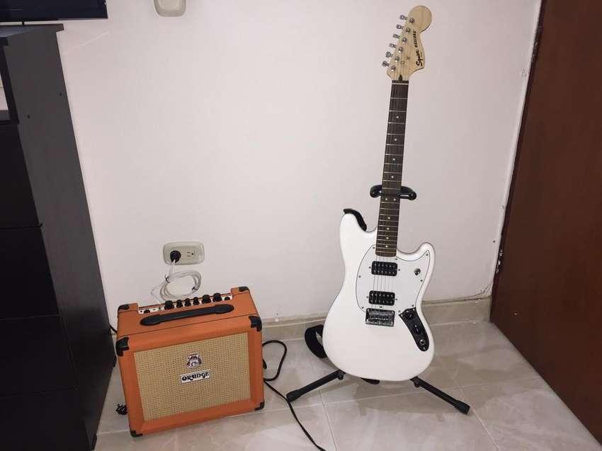 Guitarra Fender Squier Mustang 0