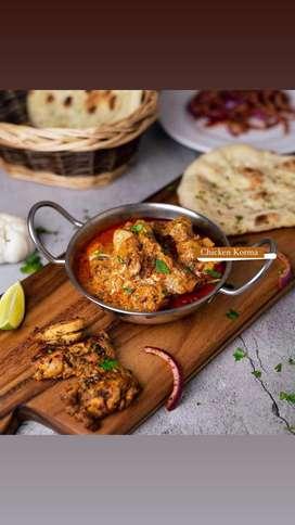 Aux de cocina preferiblemente con conocimientos en curry
