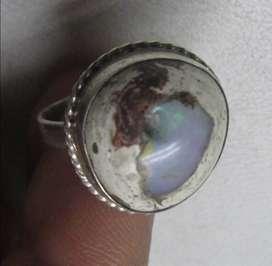 anillo en plata, graduable y con piedra natural ópalo