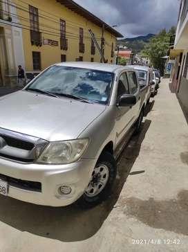 Vendo flamante camioneta Toyota 4x4 diesel en buen estado