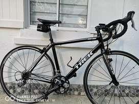 Vendo bicicleta treck grupo tiagra