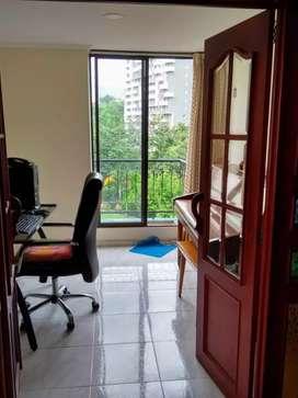 Hermoso apartamento, 99 mts², preciosa vista por sus tres frentes y desde sus tres balcones.