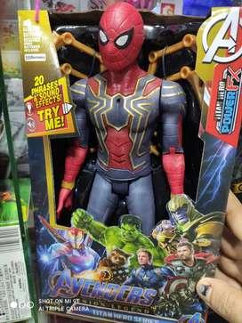 Hombre araña NUEVO tamaño mediano 23 cm alto
