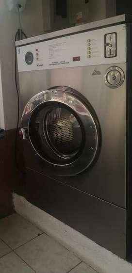Vendo  lavandería de ropa...