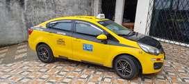Se vende taxi ejecutivo fullll equipo año 2014 kia rio r