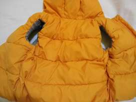 Chaleco baby gap 18/24 m capucha impermeable