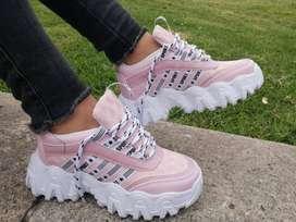Zapatilla rosa muy comoda