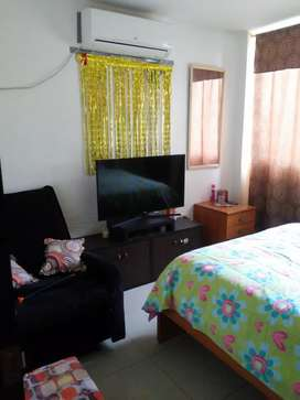 Alquilo habitación en urbanización castilla