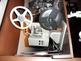 Proyector de cine RETRO años 50 de 16 milimetros
