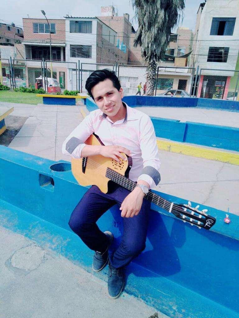 Guitarra Nacional profesional Modelo Grand Concert 0