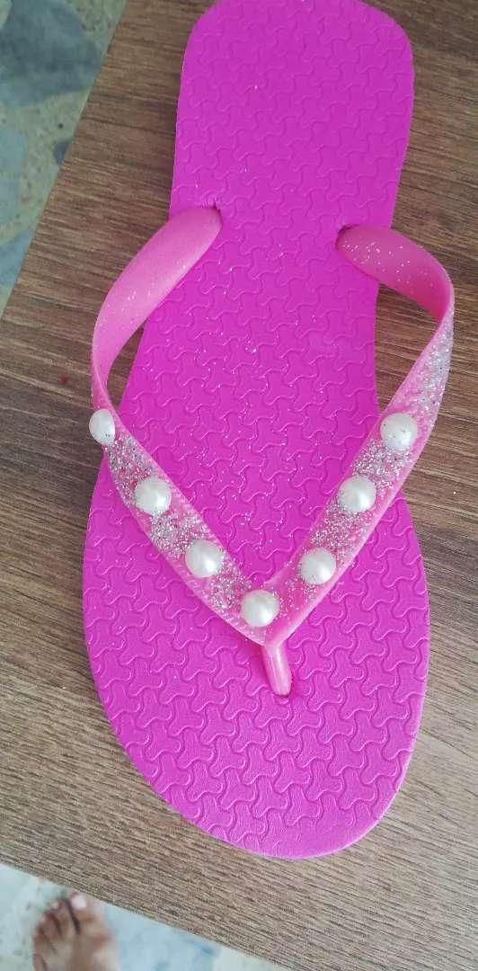 Sandalias decoradas en perlas 0