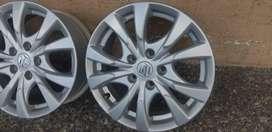 Aros Nuevos Originales Suzuki R16, Magnesio 5 huecos 114mm 60 c/u