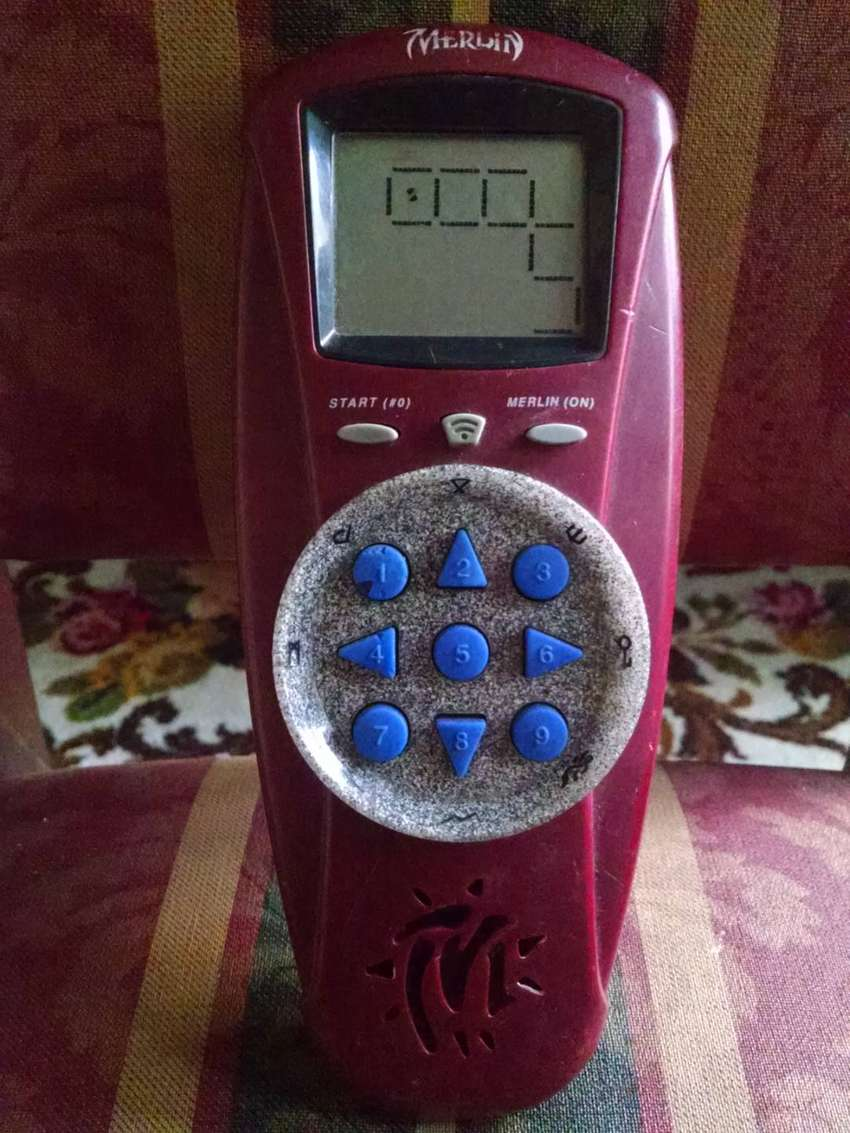 1995 Hasbro Merlin 10th Quest Electronic Handheld Game