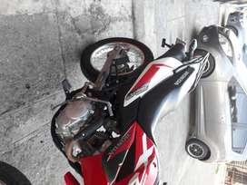 Honda xr150 roja