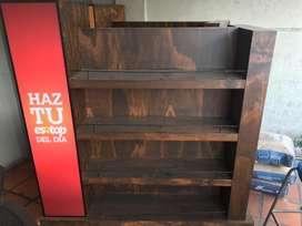 Se vende exhibidores en madera para almacenes, charcuterias, tiendas de viveres, en general