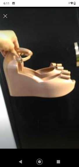 Lindas sandalias y botines