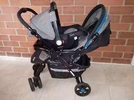 Corral, coche y porta bebe