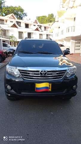 Toyota fortuner modelo 2012 4 x 2 automática gasolina 2.700