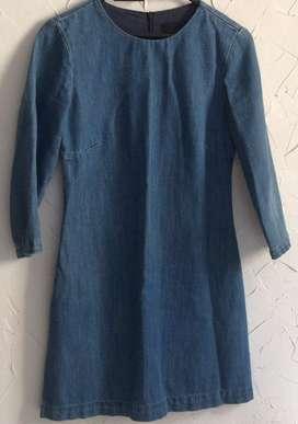 Vestido de jean marca Zara talla S