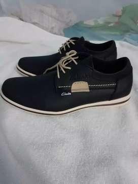 Se vende zapatos nuevos casuales
