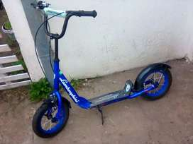 Vendo monopatin con ruedas d bci