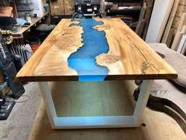 Mesas en madera y resina cristal