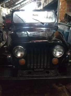 Jeep CJ 6 largó
