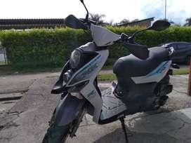Vendo moto modelo 2021