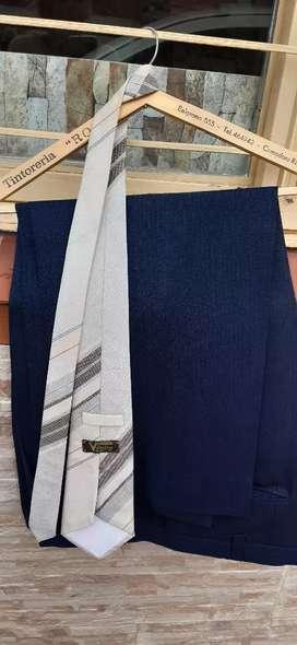 URGENTE Vendo traje sin uso talle especial confeccionado por sastreria