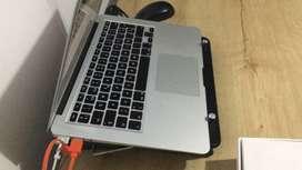 MacBook Air 8RAM i5 128 SSD. Con caja y garantía de Apple