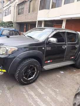 Vendo camioneta Toyota Hilux del año 2008 $15000 negociable gente seria xfavor