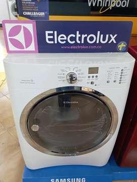 Secadora electrolux nueva a gas 42 libras