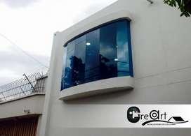 se hacen e instalan puertas y ventanas